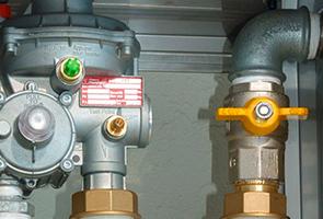 Reparación de fugas en reguladores de gas natural en Barcelona
